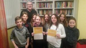 Die Klassensieger am Gymnasium sind Oskar Winter und Leopold Götz (6b), sowie Laetitia Snounou und Katharina Orth (6a). Laureen Junghans und Viktoria Künstle (6a) und Lea Stiefel und Chiara Richter (6b) sind die Klassensieger der Realschule.