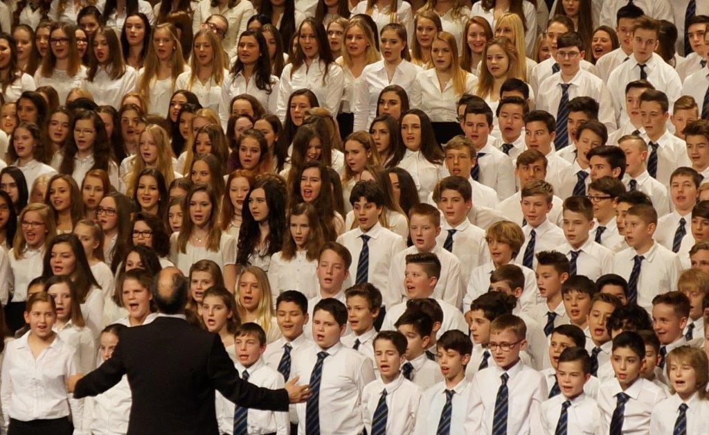 Der große Chor beim Bunten Abend 2015...