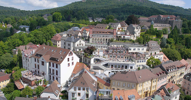 Der weitläufige denkmalgeschützte Campus des Pädagogiums in Baden-Baden